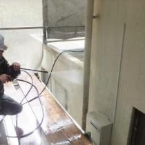 防水工事・塗装工事及び補修工事実績:本部町T様宅 (洗浄作業)